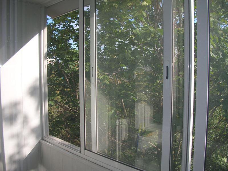 Раздвижные балконы слайдерс