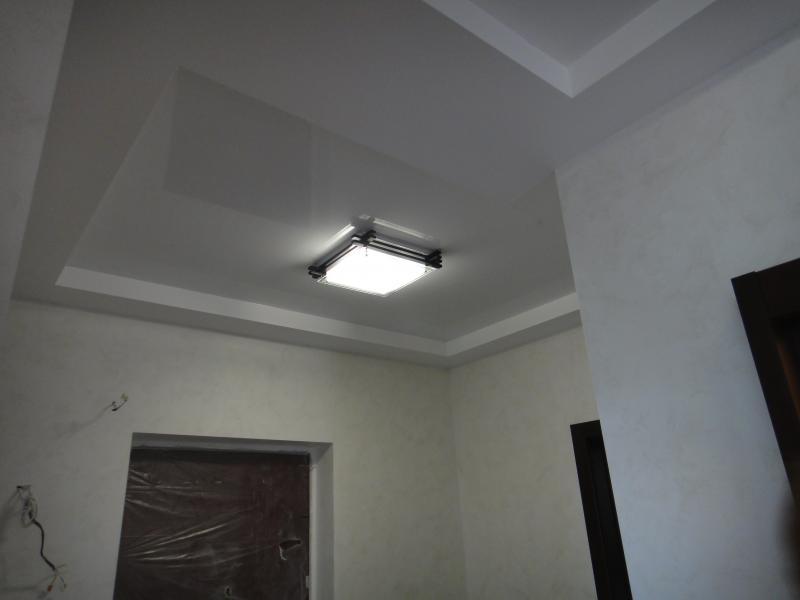 светильник на натяжной потолок