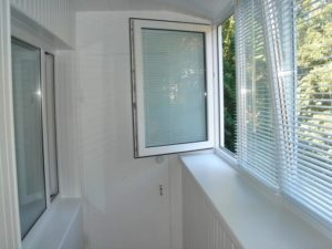 лоджия с окнами