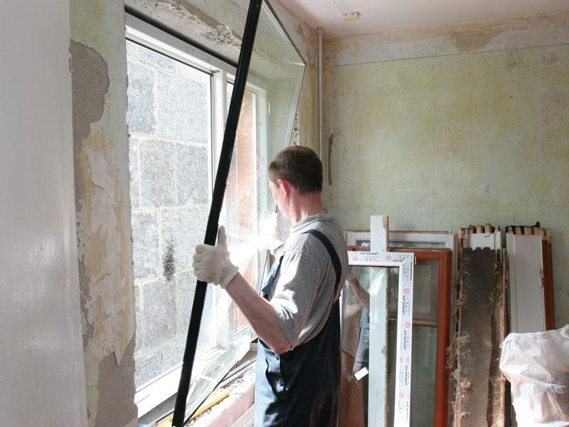 монтаж большого окна